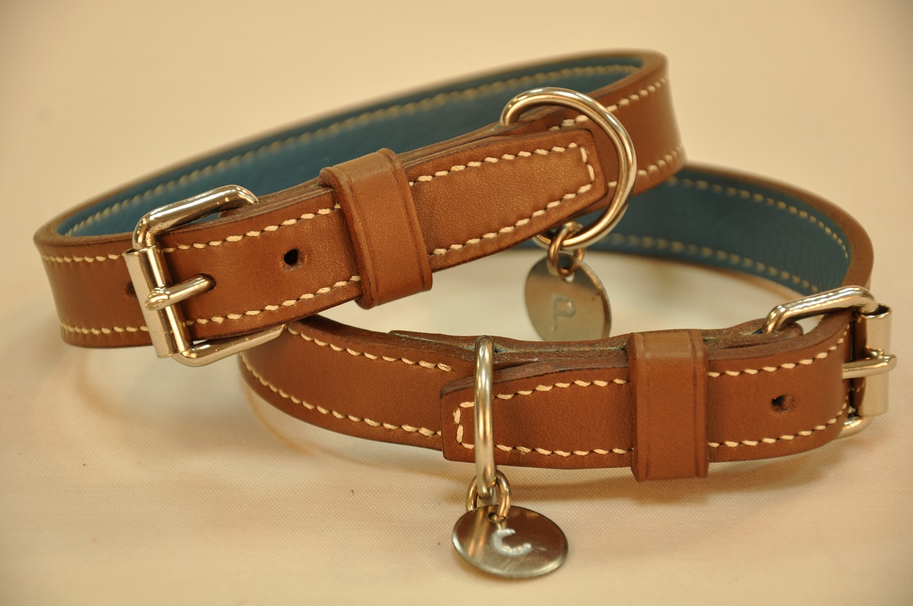 Collars tailor-made for wirehaired dachshund, made in vegetable tanned cowhide. Entirely hand sewn by LE NOËN leather goods maker in France.