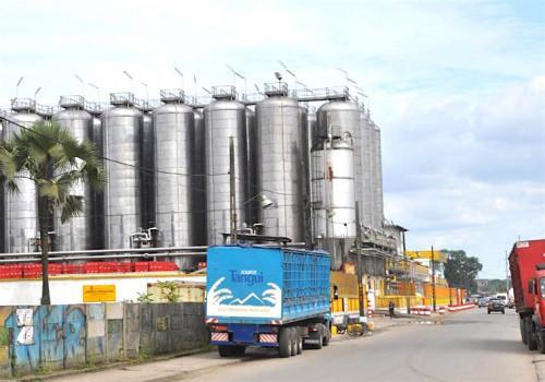 douala:-la-sabc-inaugure-une-nouvelle-chaine-de-production-et-d'embouteillage-d'une-valeur-de-12-milliards-de-fcfa