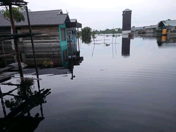 Berharap Bantuan Banjir Segera Sentuh Warga Desa Pasir Putih
