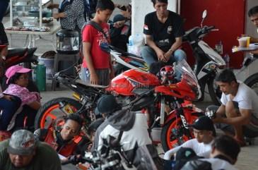 Wahana Makmur Sejati dukung minat balap anggota komunitas Honda CBR pada ajang Indonesia CBR Race Day, yang berlangsung di Sentul pada Minggu, 22 April. (12)