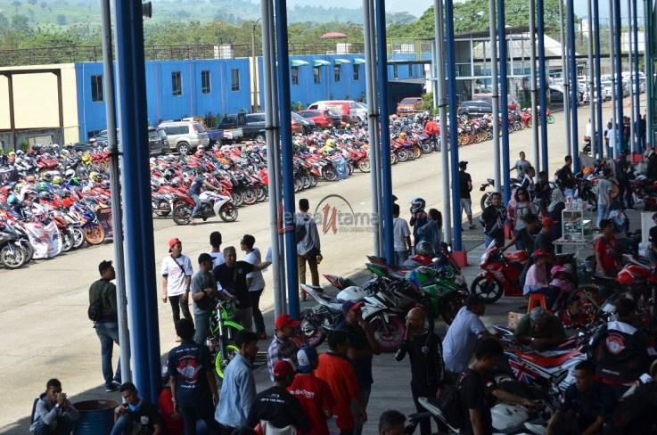 Wahana Makmur Sejati dukung minat balap anggota komunitas Honda CBR pada ajang Indonesia CBR Race Day, yang berlangsung di Sentul pada Minggu, 22 April. (13)