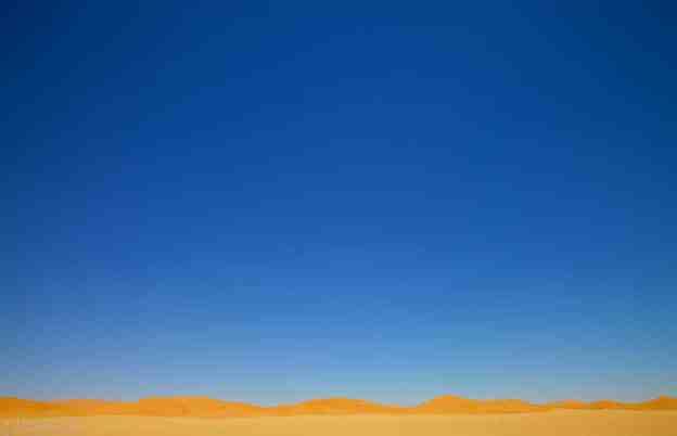 the golden horizon / erg chebbi, morocco