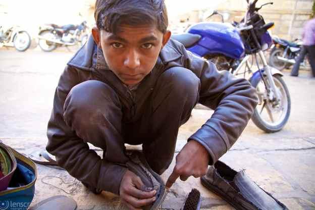 shoe repair / jaisalmer, india