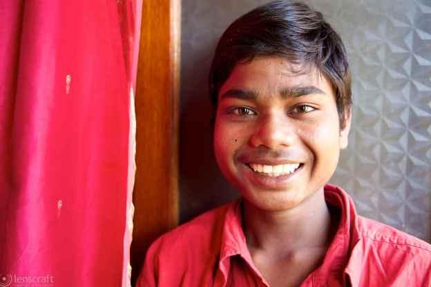 the hotel porter / jaisalmer, india