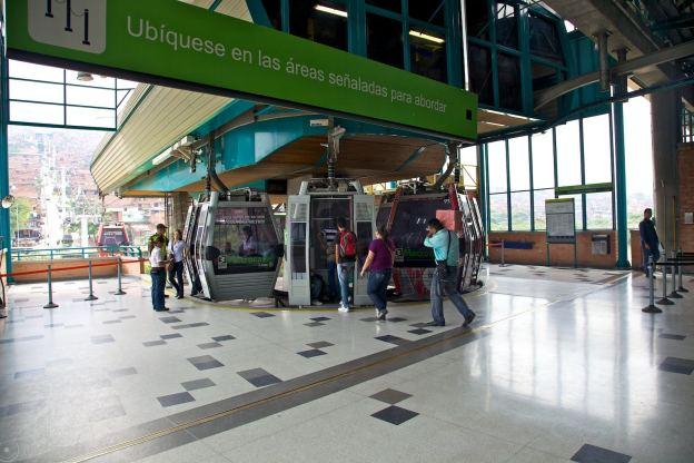terminal de teleferico / medellín, colombia