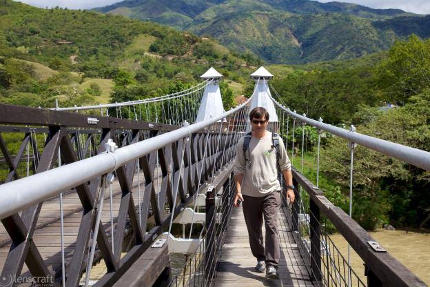 puente de occidente pedestrian / santa fe de antioquia, colombia