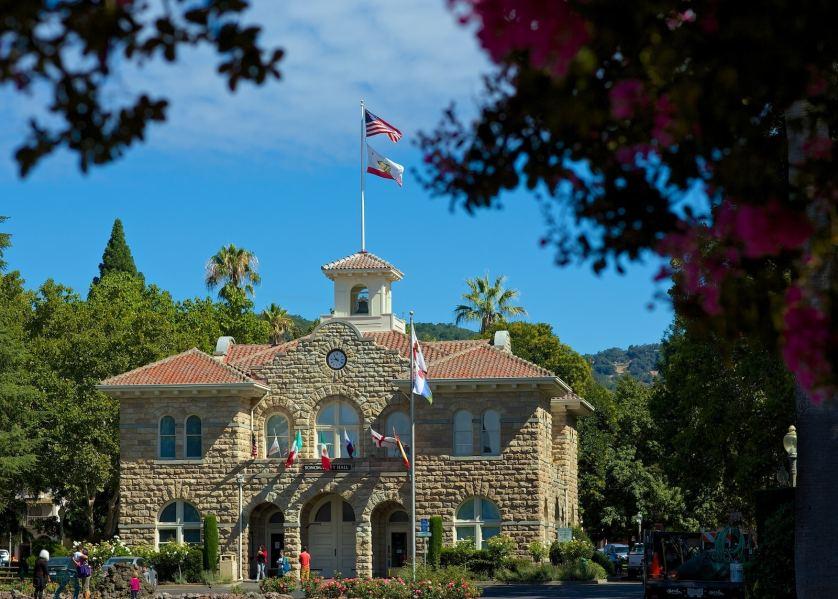 city hall / sonoma, california
