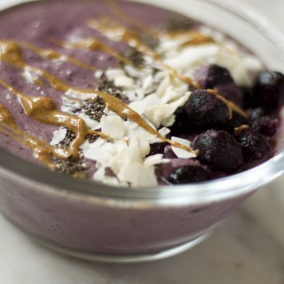 pineapple blueberry smoothie bowl