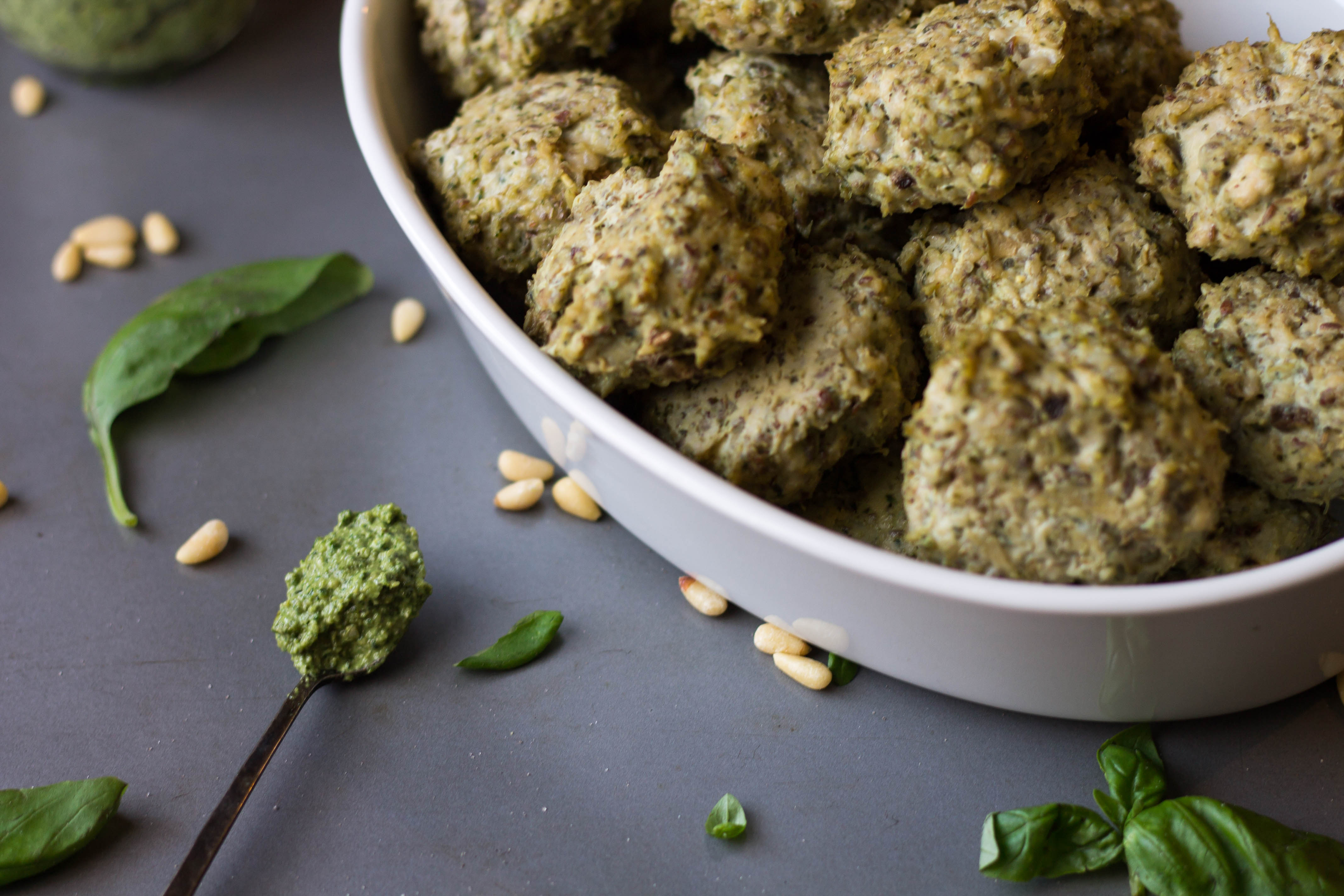 paleo pesto chickadees chicken balls