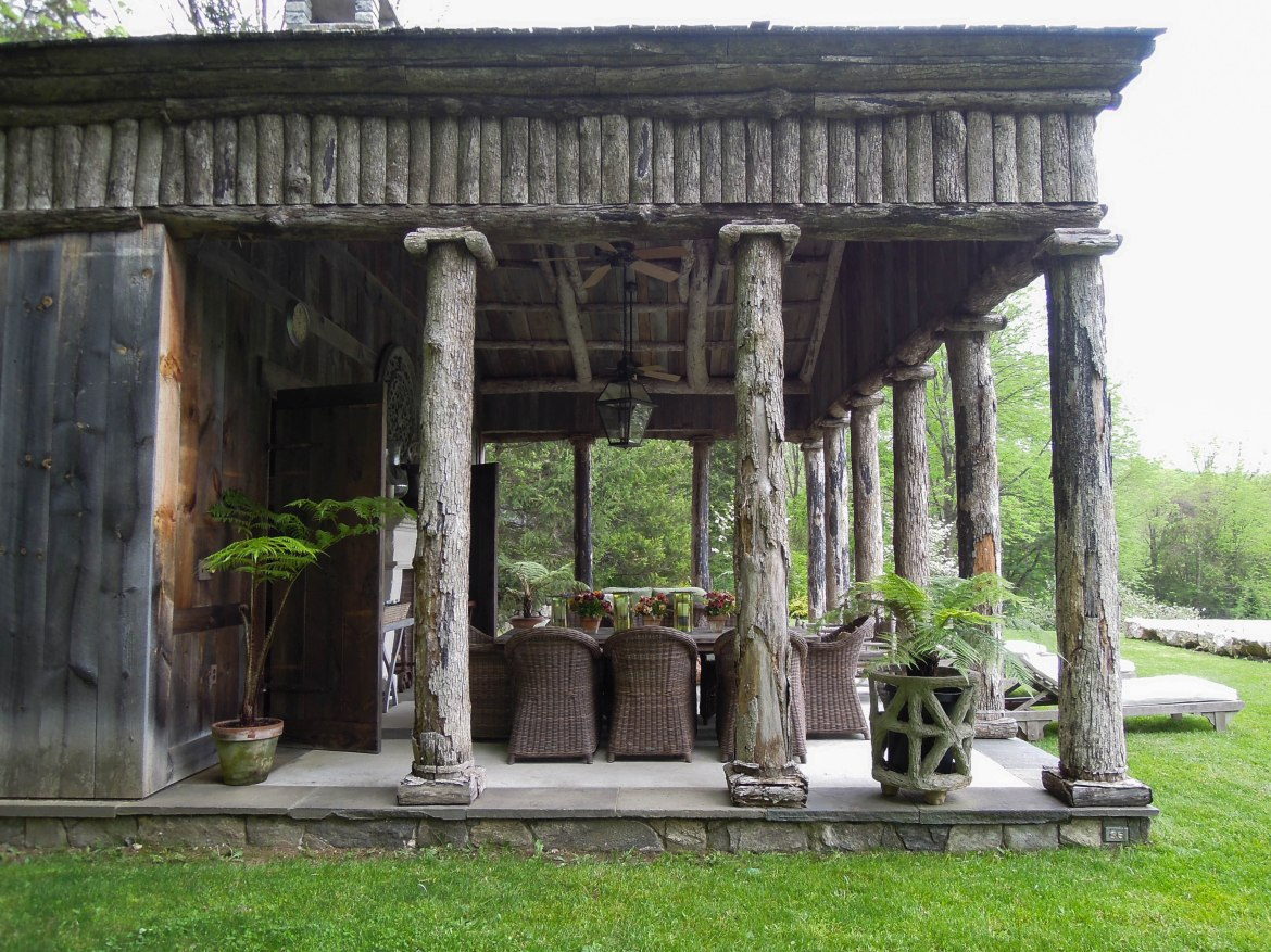 bunny-williams-pool-house-greek-temple