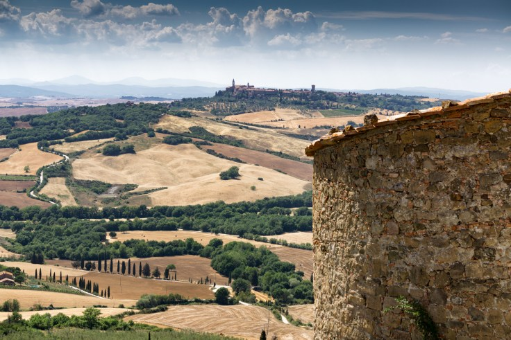 Montechiello towards Pienza