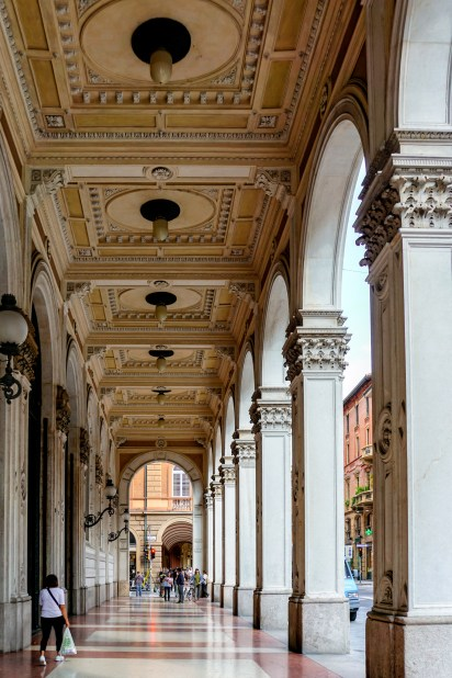 Bologna covered walkways-1