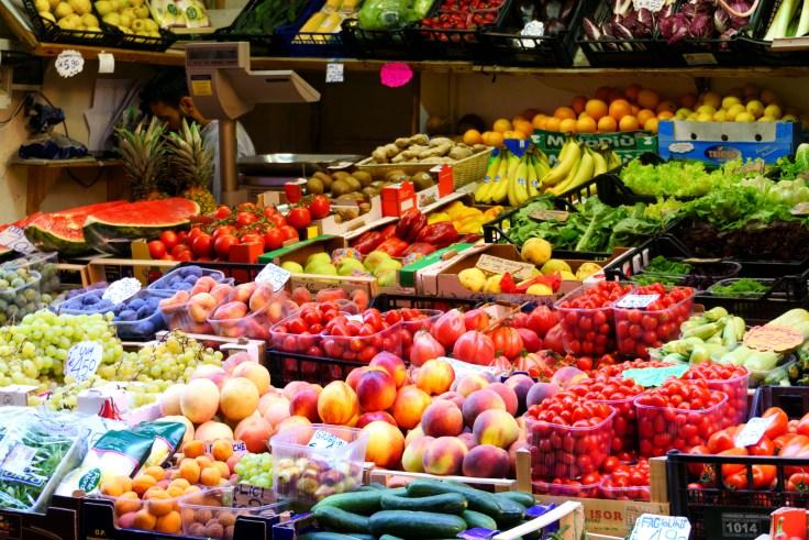 Bologna market HR-1