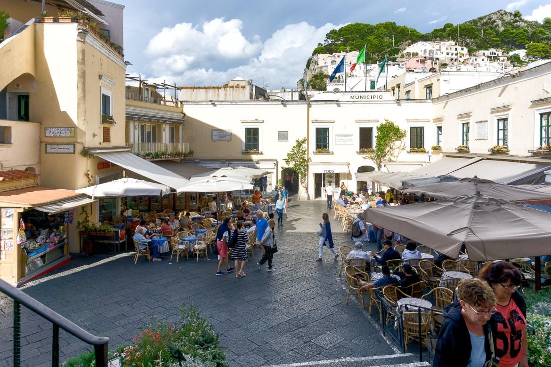 Capri Piazza-1