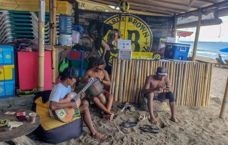 Charlie Brown Surf School, Canggu