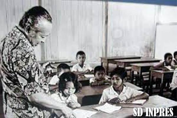 SD Inpres dan Sekolah PAMONG