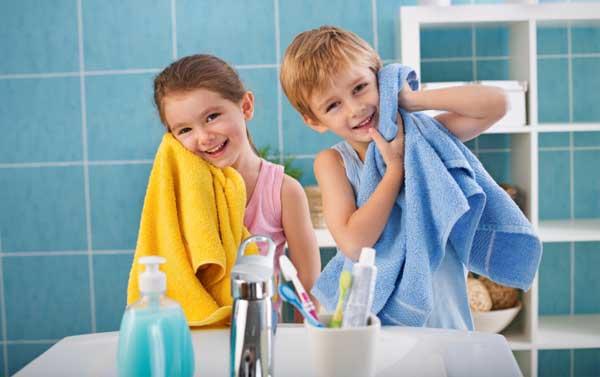 Mengajarkan Anak Untuk Mandi Sendiri