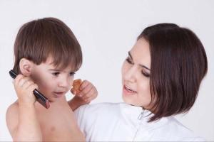 Melatih Anak Berbicara