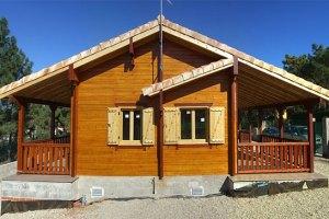 kelebihan kekurangan rumah kayu