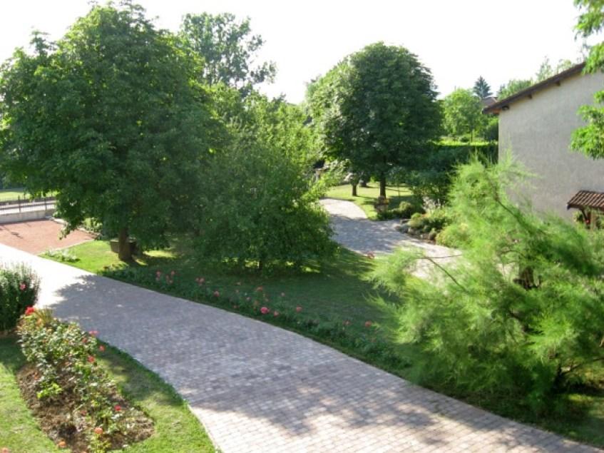 Gîte l'Entre Deux : le jardin