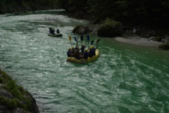 Rafting unter der Brücke