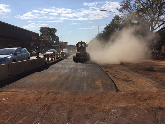 R101 Reseal - Brooming the Selected Layer before laying the Asphalt