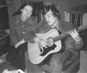 24f-hannie-en-ik-met-gitaar