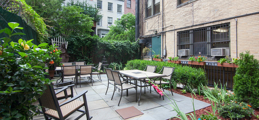 ... The Garden At The Leo House NYC ...