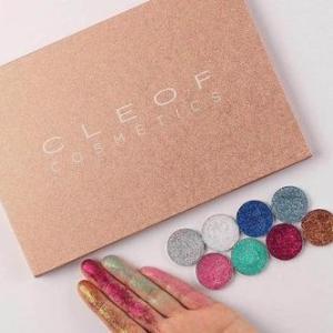 Палетка ярких теней глиттеров - Cleof cosmetics