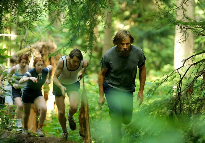 Viggo Mortensen and clan-Captain Fantastic