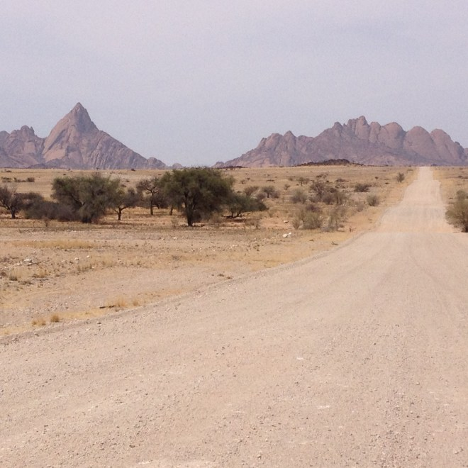 Gross Spitzkoppe left and the Pontoks (1 - 4) to the right