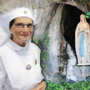 Danila Castelli hoje e voluntaria para ajudar os doentes em Lourdes