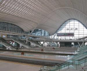 Terminal-ferroviario-de-Wuhan-as-moscas