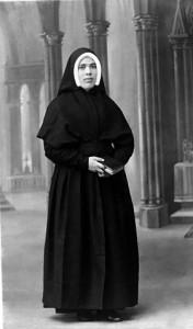Irmã Lucia, a vidente de Fátima, foi monja Dorotea até seu ingresso no Carmelo de Coimbra em 1948.