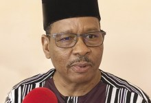 Photo of NEWTON AHMED BARRY, PRESIDENT DE LA CENI