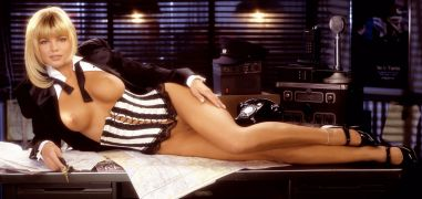 1995_09_Donna_D_Errico_Playboy_Centerfold