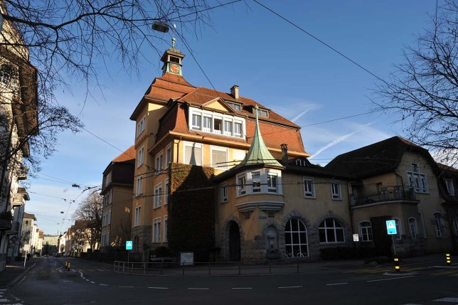 Schulhaus Moosmatt (Le petit requin)
