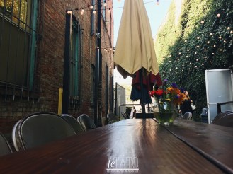 Daily Dose Cafe: outdoor seating