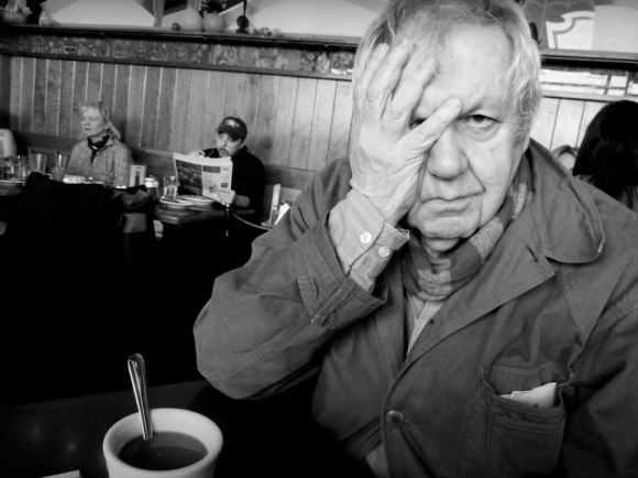 Saul Leiter au Veselka, un restaurant ukrainien de son quartier de East Village à New York