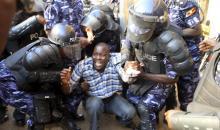 RFI/ Présidentielle en Ouganda: le candidat Besigye arrêté, violents heurts