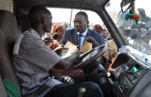 Les populations se plaignent du ministre des Transports Gaoussou Touré et des acteurs du secteur des Transports en Côte d'Ivoire. Ph. Dr