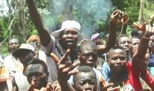 Les accusant d'être responsables du décès d'un des leurs : les jeunes de Gbangbegouiné Yati incendient l'abri des transporteurs #Man