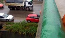 Côte d'Ivoire : un mini car de transport, plonge du 1er pont et  ''atterrit '' sur l'autoroute du nord # Accident