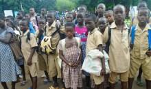 Rentrée scolaire 2017-2018 : Amadou Gon Coulibaly offre des kits scolaires aux enfants de familles modestes #Korhogo