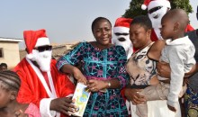Arbre de Noël 2018/Région de la Bagoué : Bruno Nabagné Koné cadeaute 2000 enfants défavorisés