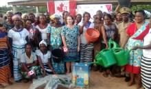 [Côte d'Ivoire/Autonomisation de la femme] L'ambassadrice du Canada visite le Centre communautaire d'accueil et de réhabilitation pour les femmes et les filles de Logoualé