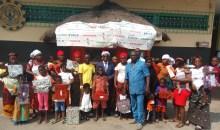 [Côte d'Ivoire/Réveillon de Noël] Aka Aouélé cadeaute plus d'une vingtaine d'enfants malades de la FSUCOM de Ouassakara