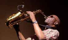 [Musique] Le monstre sacré du Saxo, Manu Dibango, emporté par leCovid-19