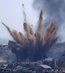 [Tension au Proche-Orient] Bombardements à Gaza, tirs de roquettes contre le territoire israélien