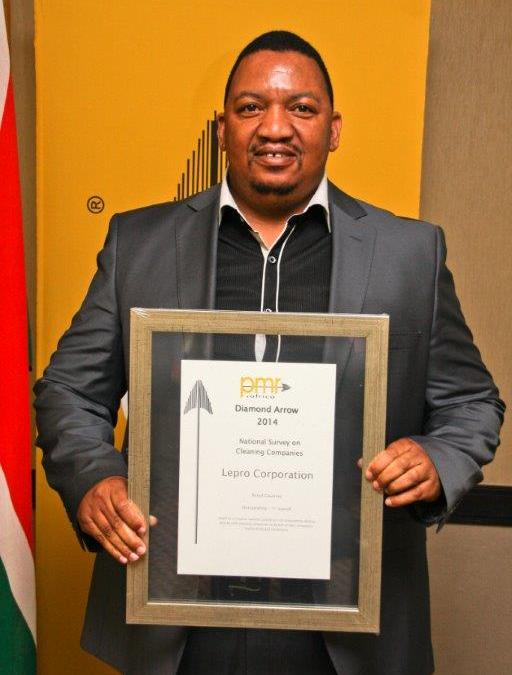 Mr Lizwe Ndlovu Recieves the PMR 2014 Award